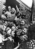 World war 2, returning soviet soldiers being greet