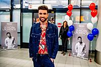 Dutch singer Duncan Laurence is welcomed by fans a