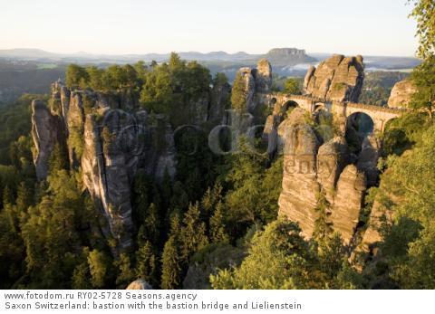 Saxon Switzerland: bastion with the bastion bridge and Lielienstein