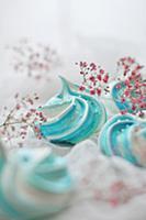 Blue meringues