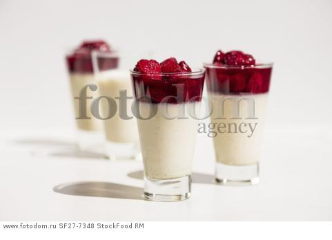 Panna Cotta with roasted strawberries