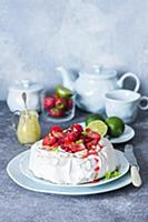 Pavlova with strawberries and lime