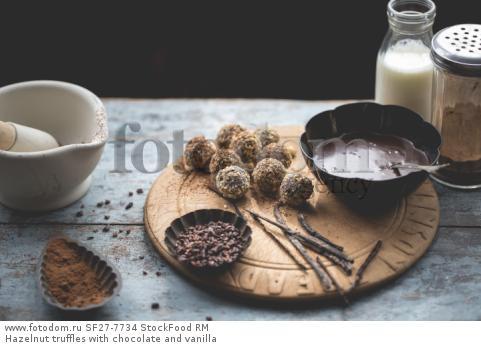 Hazelnut truffles with chocolate and vanilla