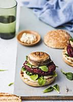 Beetroot-carrot burger with lamb s lettuce, mushro