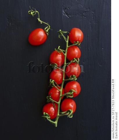 Dark tomato mood