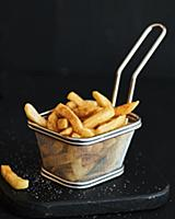 Pommes frites with salt