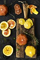 Oranges and blood oranges in slices