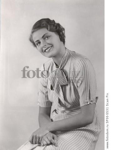 Ingrid Bergman 1932 in her first movie  'Munkbrogreven' . Foto Bonnierarkivet Kod 3001 COPYRIGHT SCANPIX