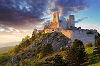 Сказочные руины. Чахтицкий замок (Cachtice castle)