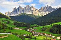 Прекрасный Итальянский пейзаж. Долина Фунес (Funes