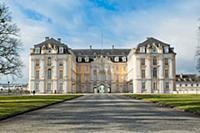 Дворец Аугустусбург (Augustusburg) в Брюле (Bruhl)