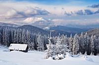 Рождественские пейзажи. Деревянный дом в горах. Ка
