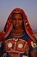 За что цыган изгнали из индии уставилась