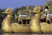 Золото для Будды, Мьянма, 2009. На фото: дворец Ка