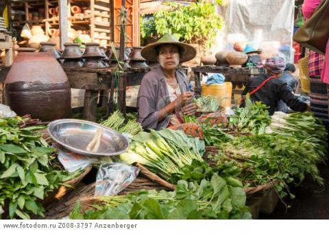 MYANMAR / Kayin State / Hpa-an / Vegetable seller on the market В© Mario Weigt / Anzenberger