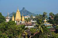 MYANMAR / Kayin State / Hpa-an / Townscape with Ye