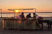MYANMAR / Mon State / Mawlamyaing / The Harbour Ni
