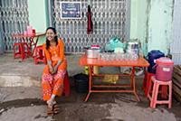 MYANMAR / Mon State / Mawlamyaing / Beverage stand