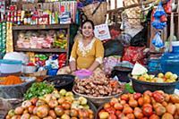 MYANMAR / Mon State / Mawlamyaing / Food sale in t