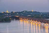 MYANMAR / Mon State / Mawlamyaing / Evening mood a