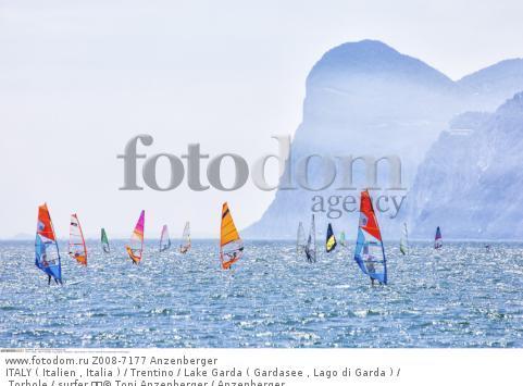ITALY ( Italien , Italia ) / Trentino / Lake Garda ( Gardasee , Lago di Garda ) / Torbole / surfer   © Toni Anzenberger / Anzenberger