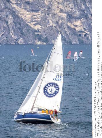 ITALY ( Italien , Italia ) / Trentino / Lake Garda ( Gardasee , Lago di Garda ) / Torbole / sailing  © Toni Anzenberger / Anzenberger