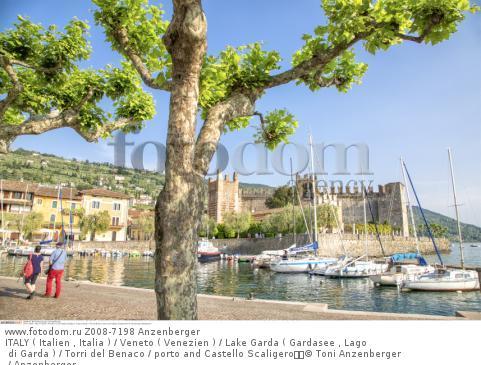 ITALY ( Italien , Italia ) / Veneto ( Venezien ) / Lake Garda ( Gardasee , Lago di Garda ) / Torri del Benaco / porto and Castello Scaligero  © Toni Anzenberger / Anzenberger