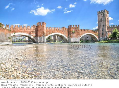 ITALY / Veneto ( Venezien )  / Verona / Ponte Scaligero , river Adige ( Etsch ) and Castelvecchio   © Toni Anzenberger / Anzenberger