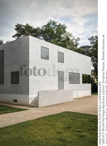 UNESCO World Heritage Bauhaus school, Gropius House, Master Houses at Dessau, Dessau-Rosslau, Saxony-Anhalt, Germany  Для коммерческого использования может требоваться очистка прав. Необходимо уточнение.