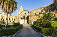 The Cathedral of Palermo with the well-kept garden