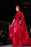 Показ коллекции вечерних платьев '50 оттенков красного'