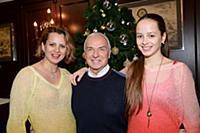 Станислав Попов с семьей. Премьера новогоднего кон