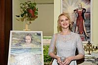 Открытие выставки актрисы Юлии Бружайте