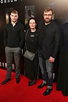 Михаил Пореченков с супругой и сыном. Премьера фил
