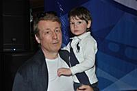 Сергей Апрельский с сыном. Премия Гильдии каскадер