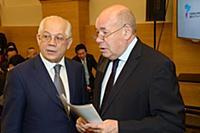 Павел Негоица, Михаил Швыдкой. Российско-японский