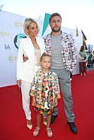 Дарья Сагалова с семьей. Вручение премии 'Дай пять