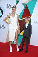 Елена Перминова с сыном. Вручение премии 'Дай пять