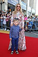 Юлия Михальчик с сыном. Вручение премии 'Дай пять!