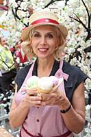 Алена Свиридова. День мороженого в Главном Универм