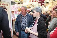Михаил Ефремов с дочерью. День мороженого в Главно