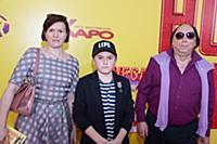 Евгений Герчаков с семьей. Премьера фильма «Ночная