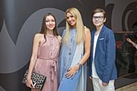 Анжелика Агурбаш с дочерью Дарьей и сыном Анастасо