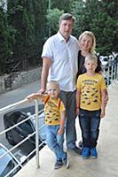 Павел Сборщиков с семьей. 26-й Международный детск