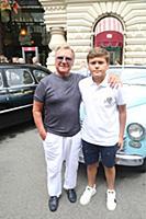 Сергей Шакуров с сыном. Парад советских ретро авто