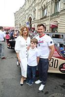 Алексей Немов с сыном и женой Галиной. Парад совет