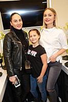 Eva Bristol (Ева Бристоль) с дочерью Эммой, Анаста