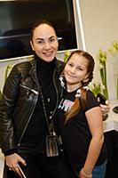 Eva Bristol (Ева Бристоль) с дочерью Эммой. Открыт
