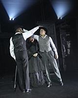 Актеры на сцене. Спектакль «Брюсов переулок» в теа