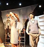 Актёры на сцене. Спектакль 'Зимний лёд', Российски